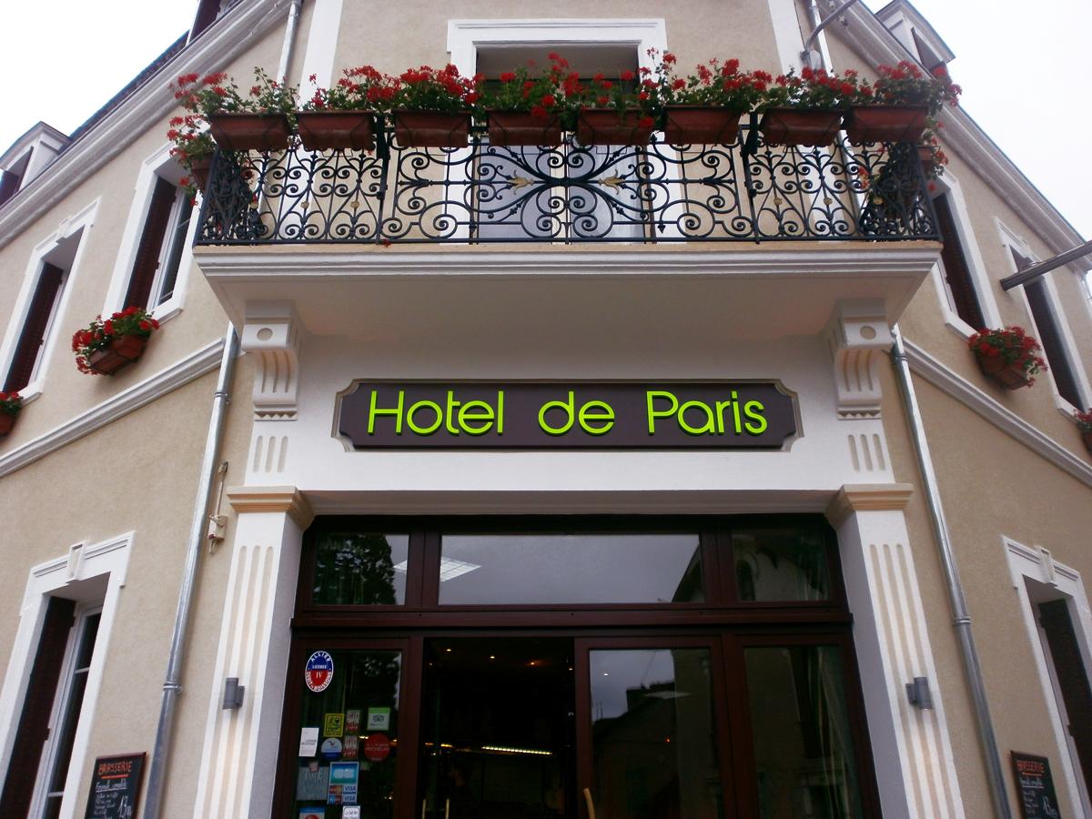 Enseigne en caisson lumineux - Hôtel de Paris - Sodifalux