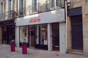 Habillage façade coiffeur Camille Albane - Dijon